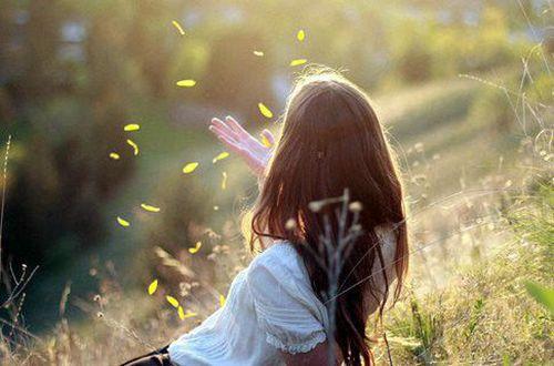 出类拔萃的心情短语说说:爱到深处便无怨尤
