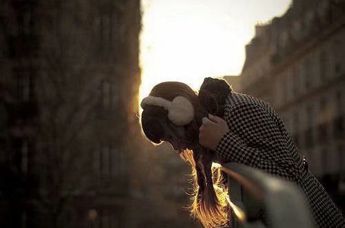 内心灰暗的伤感说说:找一个向着太阳的人,晒一晒他们的温暖