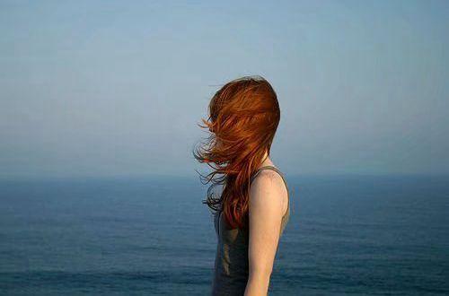 励志短语句子说说:安慰别人的话 最终安慰不了自己