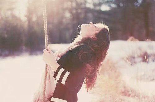 维美好听的英文说说:While there is life there is hope