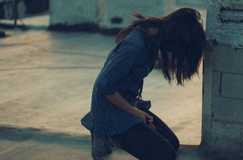 懂事的女孩最让人心疼的说说 只能自己一个人咬牙撑过去的心情说说