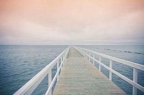 写给异地恋的说说带图片 愿你漂洋过海有人在彼岸等你