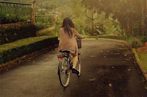 分手后致自己的说说:不懂得自爱的人,是没有能力去爱别人的